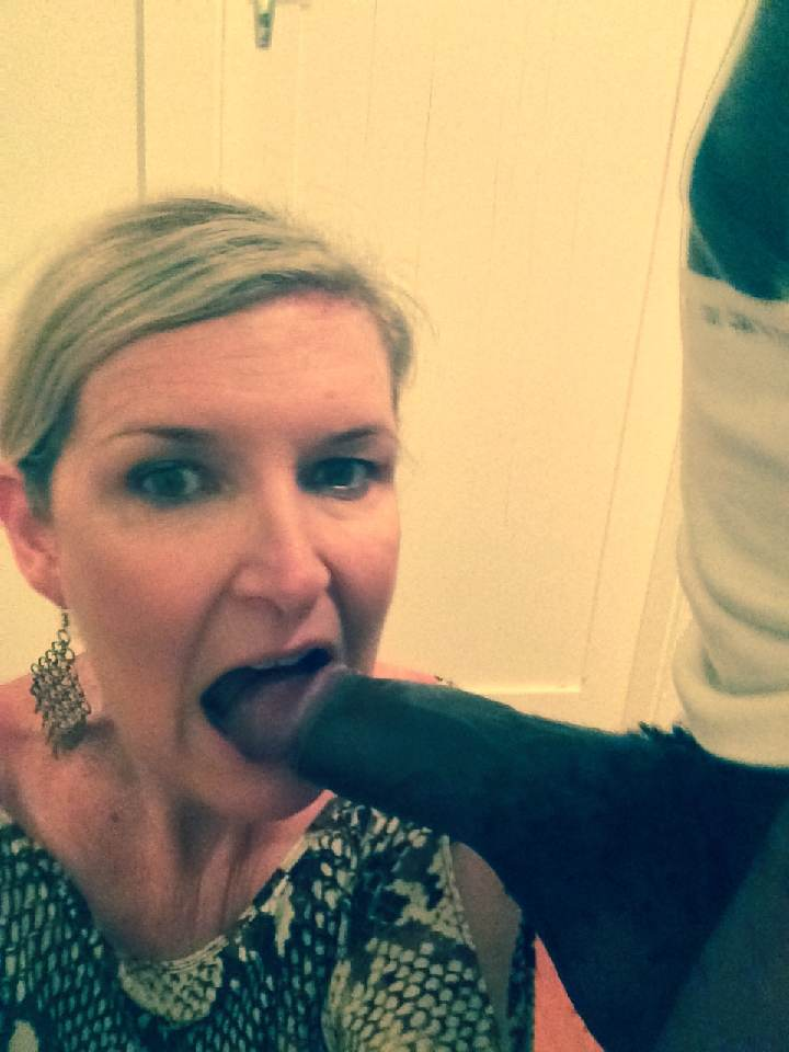 Tumblr slut sucking an ice cream